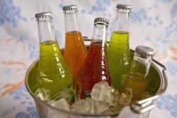 Употребление газированных напитков - причина клиновидного дефекта