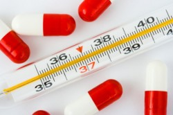 Повышение температуры тела - один из симптомов кисты зуба
