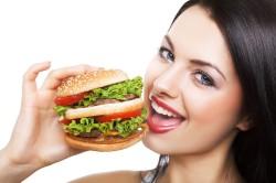 Плохое питание - причина кровоточивости десен