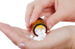 Прием некоторых видов лекарств - причина кандидоза полости рта