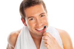 Регулярная чистка зубов - профилактика появления кисты зуба
