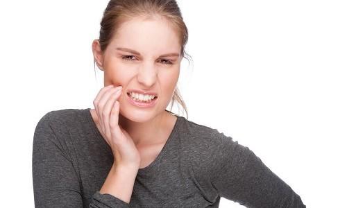 Проблема щелкающей челюсти